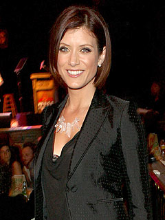 Kate Walsh and Ex to Flip Coin over Furniture in Divorce