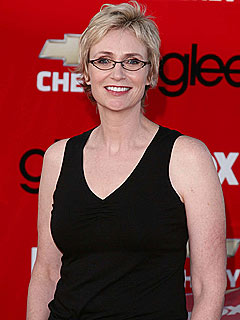 Jane Lynch Shares Glee Script Secrets!