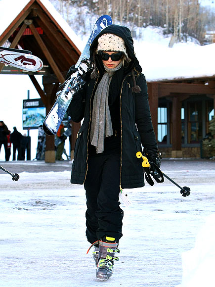 KATE SKIS! photo | Kate Hudson