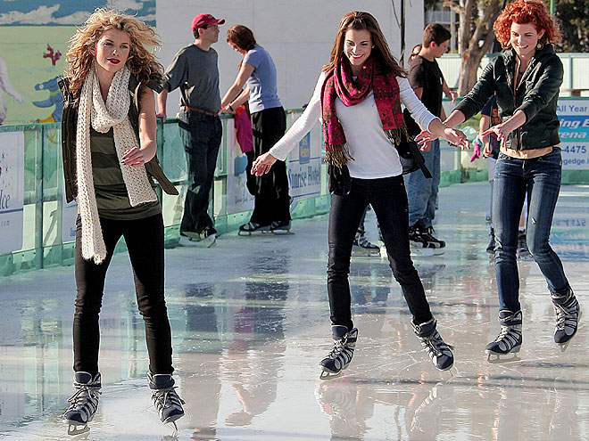 ANNALYNNE ICE-SKATES!