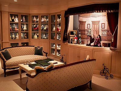 DOLL MUSEUM photo   Candy Spelling