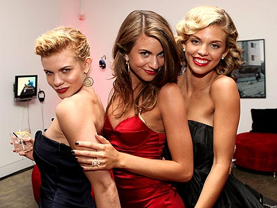 ANNALYNNE & HER SISTERS photo | AnnaLynne McCord