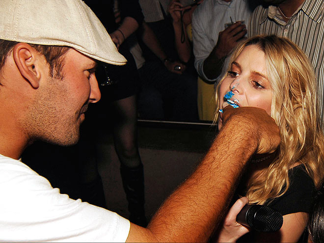 IN HER FACE! photo | Jessica Simpson, Tony Romo