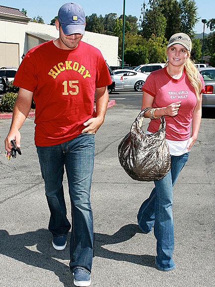 MAKING A STATEMENT photo | Jessica Simpson, Tony Romo