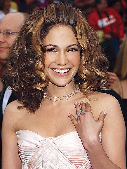 HAIR-RAISING NIGHT photo | Jennifer Lopez