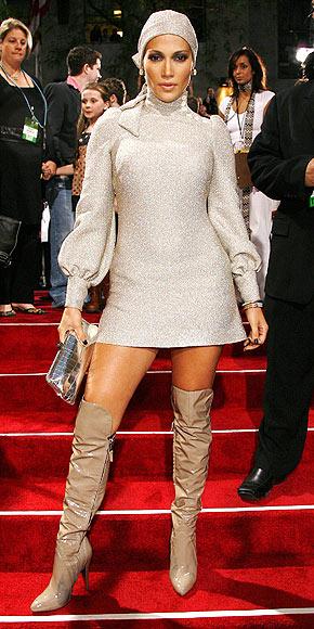 CAPPED OFF photo | Jennifer Lopez