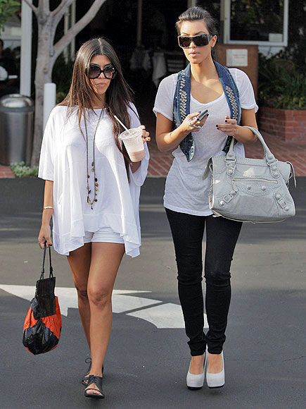 THE BILLOWY TOP photo | Kourtney Kardashian