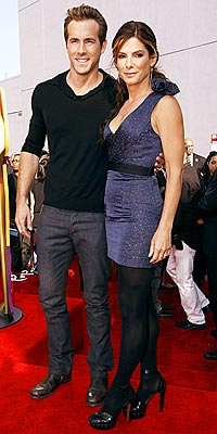 SANDRA BULLOCK & RYAN REYNOLDS photo | Ryan Reynolds, Sandra Bullock