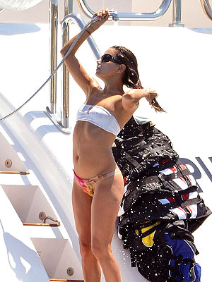 SAINT-TROPEZ photo | Eva Longoria