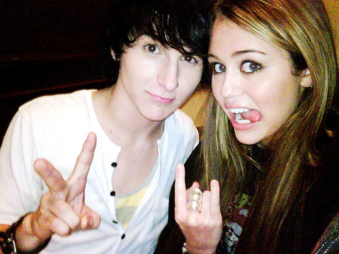 MILEY & MITCHEL photo  Miley Cyrus