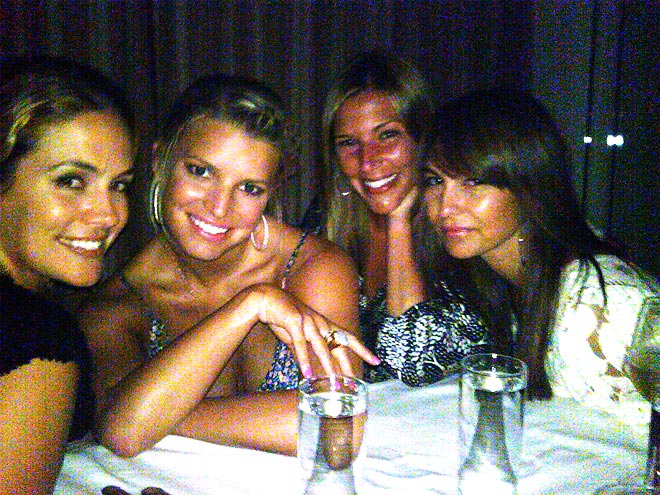 JESSICA, CACEE & PALS photo | Jessica Simpson