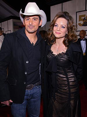 THEY MARRIED AT THE REHEARSAL! photo | Brad Paisley, Kimberly Williams-Paisley