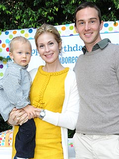 Kelly Rutherford Gets Restraining Order Against Husband