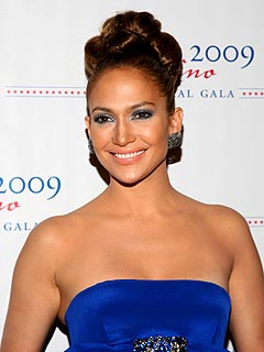 Jennifer Lopez Maid Manhattan Dress on Jennifer Lopez May Guest Star On Glee   Glee   People Com