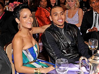 Rihanna & Chris Brown Are Back Together