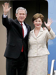 The Bushes Settling Into Post-White House Life | George W. Bush, Laura Bush