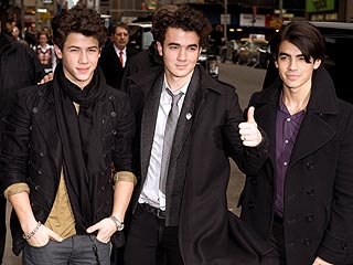 The Jonas Brothers to Perform at Kids' Choice Awards