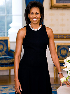 First Official Portrait of Michelle Obama Released
