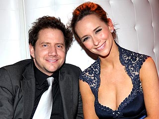 Jennifer Love Hewitt Shows Jamie Kennedy Some Love
