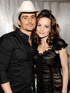 Brad Douglas with cool, beautiful, Wife Kimberly Williams-Paisley