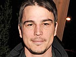 Josh Hartnett&#39;s Guys&#39; Night at New York Italian Restaurant | Josh Hartnett