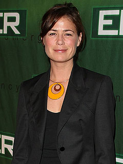 Maura Tierney Seeks Tumor Treatment