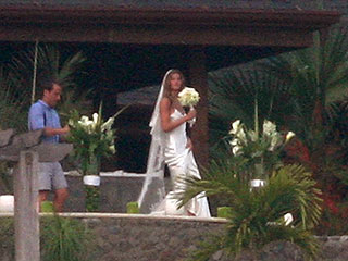 Gisele Bündchen & Tom Brady Tie the Knot – Again!| Weddings, Gisele Bundchen, Tom Brady