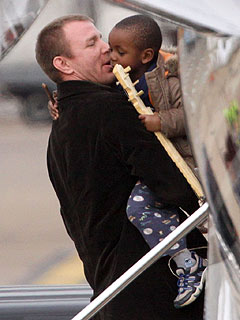Father of Madonna Orphan Surfaces, Wants to Support Child| Guy Ritchie, Madonna