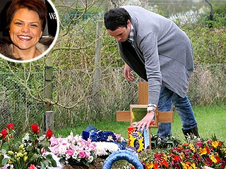 Jade Goody's Husband Pays Easter Visit to Grave