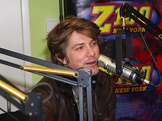 Taylor Hanson: My Wife Handles 'Craziness' of Four Kids | Taylor Hanson