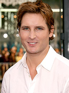 Peter Facinelli&#39;s Twilight Splurge? A Tesla!