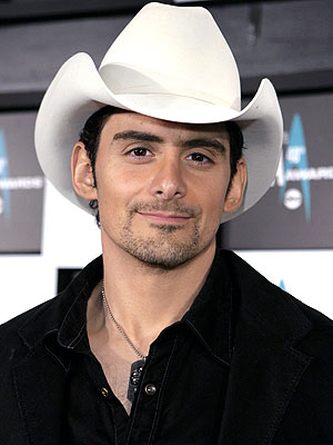 Brad Paisley Answers Your Questions! - Brad Paisley : People.