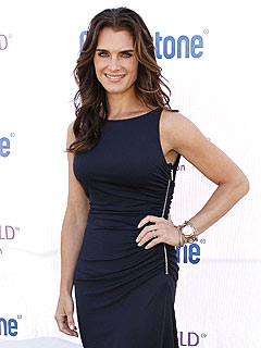 Cops Block Naked Brooke Shields Pic in Art Gallery | Brooke Shields