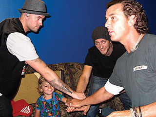On the Road with Gavin and Kingston Rossdale| Music News, Gavin Rossdale