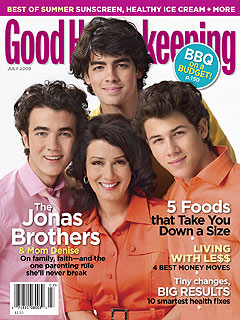 Jonas Brothers' Sex Lives Revealed by ... Mom!