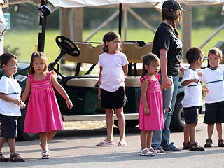 Kate Gosselin Takes Kids to the Beach – Without Jon| Jon Gosselin, Kate Gosselin
