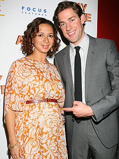 Dressing Up Proves a Chore for Pregnant Maya Rudolph