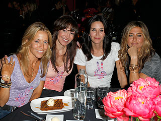 Jennifer Aniston &amp; Courteney Cox Arquette Come Together for the Congo