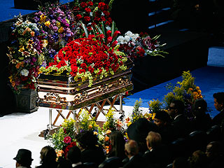 Report: Michael Jackson Rests in Berry Gordy's Crypt| Berry Gordy, Michael Jackson
