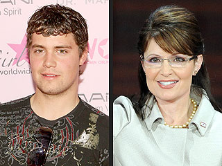 Sarah Palin Rips Levi Johnston for Selling His Body