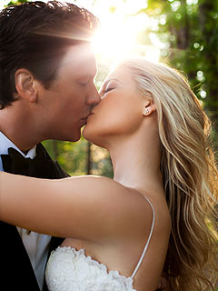 Ali Larter Weds in Maine