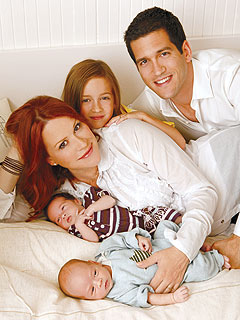 Meet Molly Ringwald&#39;s Twins!