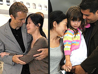 They&#39;re Home! Laura Ling &#38; Euna Lee Are Back in the U.S.| Bill Clinton, Hillary Rodham Clinton, Lisa Ling