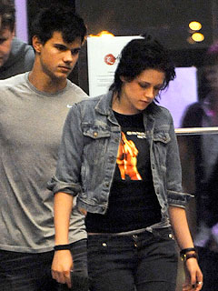 Robert, Kristen and Taylor Screen New Moon and Party the Weekend Away| Movie News, Kellan Lutz, Kristen Stewart, Robert Pattinson, Taylor Lautner