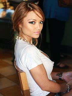 Tila Tequila Makes Citizen&#39;s Arrest of NFL Player