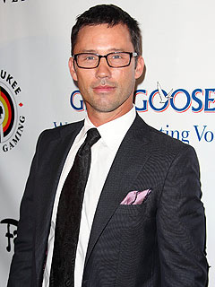 Chance to Star on Burn Notice with Jeffrey Donovan Goes for $36,000 (and a  Kiss)!