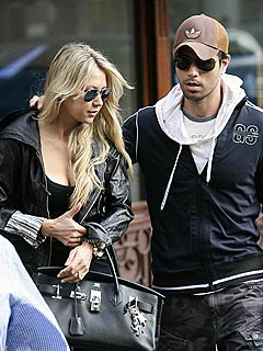 BUZZ: Are Enrique Iglesias and Anna Kournikova Finally Getting Engaged? | Anna Kournikova, Enrique Iglesias