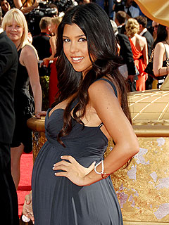 Kourtney Kardashian Shows Off Her Baby Bump | Kourtney Kardashian