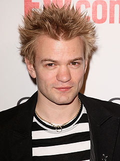 Deryck Whibley Attacked in Japan