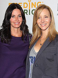Lisa Kudrow Joining Courteney Cox Arquette in Cougar Town | Courteney Cox, Lisa Kudrow